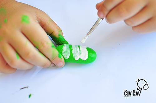 Kreativne-ideje-kamencki-kaktusi-barvanje-kamnov-civcav