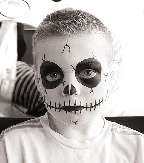 Pustna maska okostnjak - civcav.si