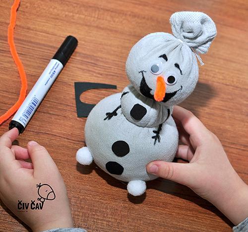 Snežak Olaf - snežak končan... sledi fotošuting - civcav.si